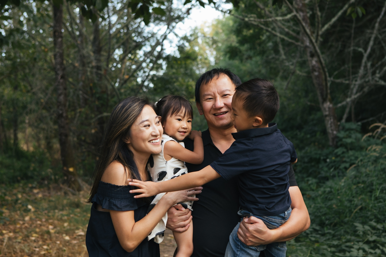 Outdoor family portraits in Corvallis Oregon